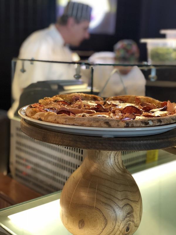 mama shelter belgrade pizza