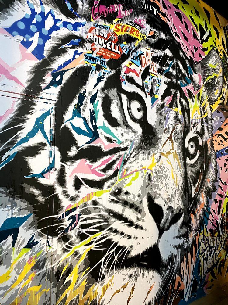fresque murale : le shack paris ©madamecrobalo