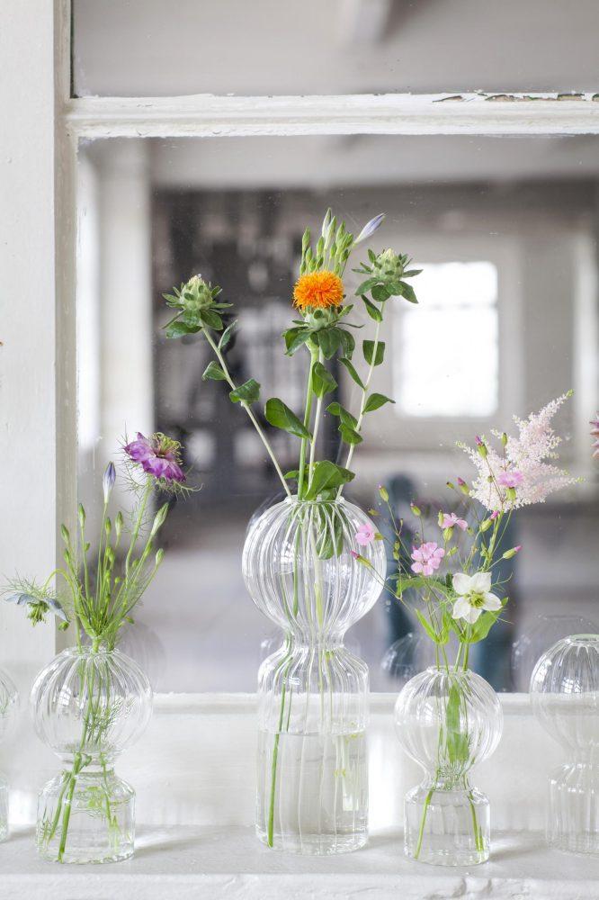 DÉCO : 16 VASES QUI PEUVENT SE PASSER DE FLEURTHE COOL REPUBLIC- Vase en verre Iki Doll M - Serax